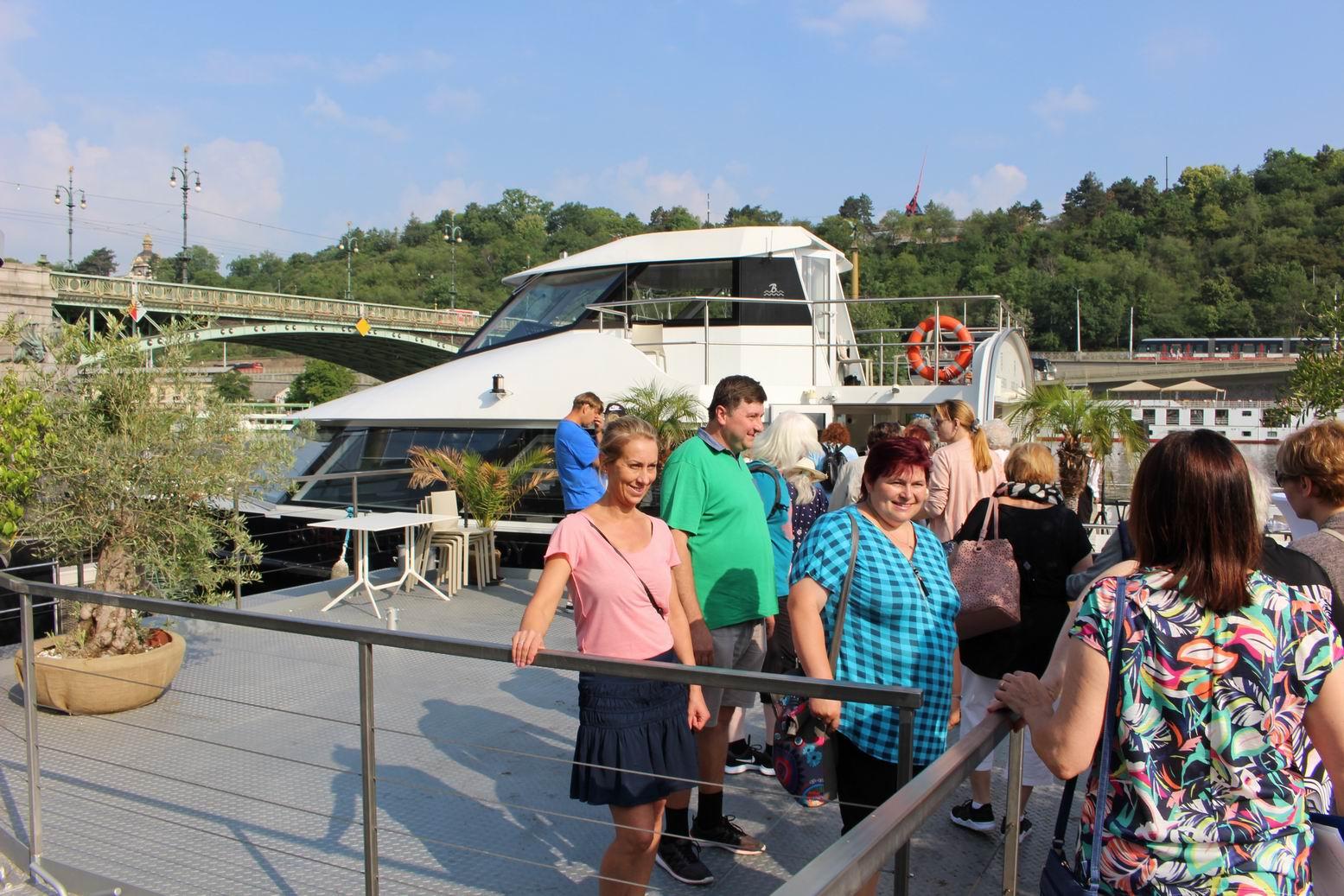 Výlet parníkem po Vltavě